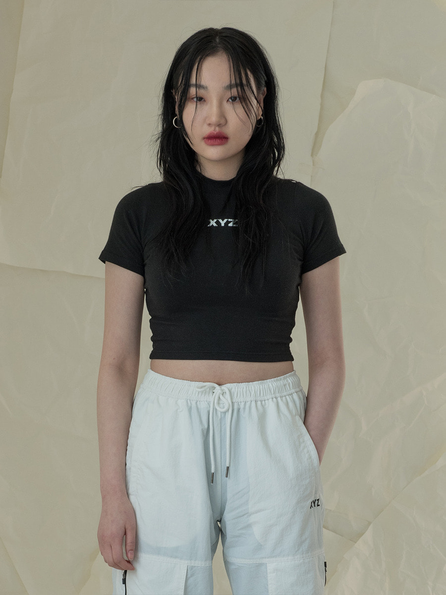 [2차 재입고] 18SS LOGO CROP T-SHIRT - BLACK