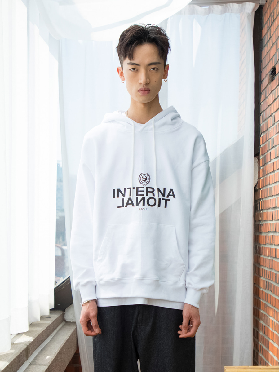 19SS UNISEX 'INTERNATIONAL' HOODY - WHITE